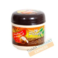 Hair pomade with coconut oil