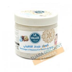 Scrub with vitamin E and shea butter