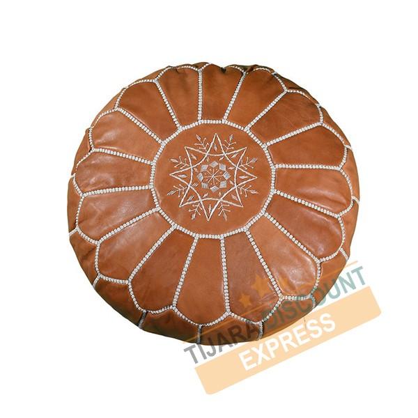 Pouf en cuir marron clair avec arabesques blancs
